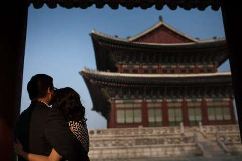 Korean Palace Engagement Photos